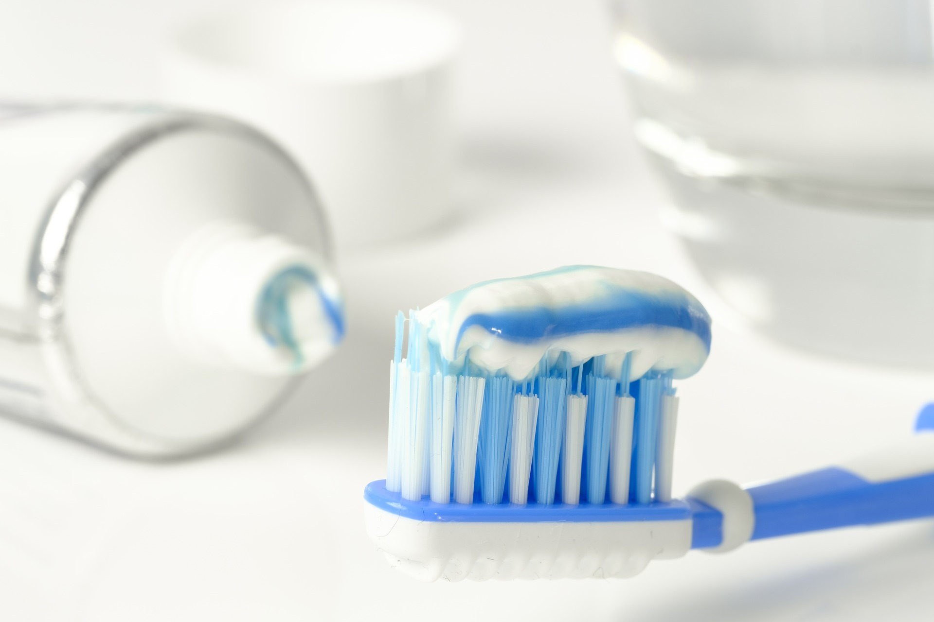 Why too use Fluoride Toothpaste ? CureMantra